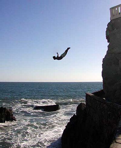 cliff_diver_quebrada